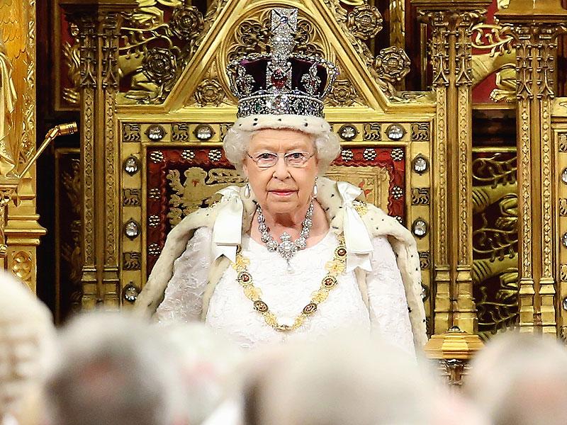 Brexit: Could Queen Elizabeth Veto Decision to Leave ... Queen Elizabeth 1 Crown