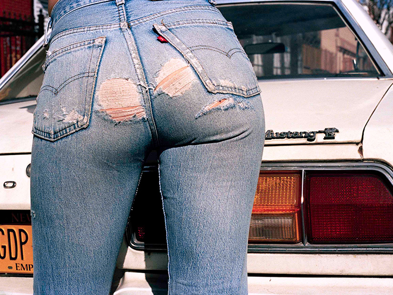 Candid bubble ass cheeks in frayed jean shorts - 2 6