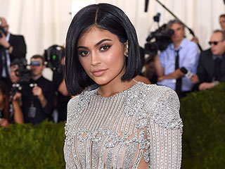 6 Times Kylie Jenner Hinted at Her Relationship Status – via Social Media