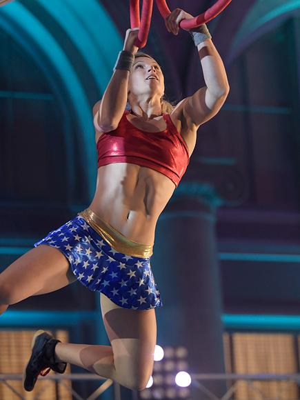WATCH American Ninja Warrior Star Jessie Graff In The LA