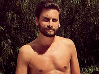 'Cougar Tamer' Scott Disick Hangs with Kris Jenner and Her Friends for the Fourth