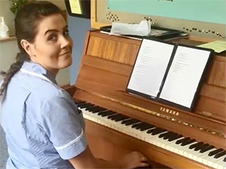 Hospice Nurse's Gripping Rendition of Adele Song Pulls at Our Heartstrings