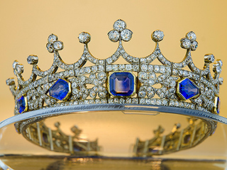 Inside the Fight for Queen Victoria's Wedding Tiara