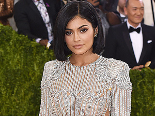 Kylie Jenner Makes Her Met Gala Debut Sporting an Anna Wintour Bob (and Balmain!)