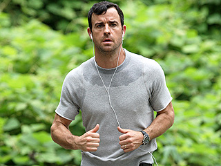 Justin Theroux Is Still Mortified Over That Infamous Jog Wearing Very Revealing Sweatpants