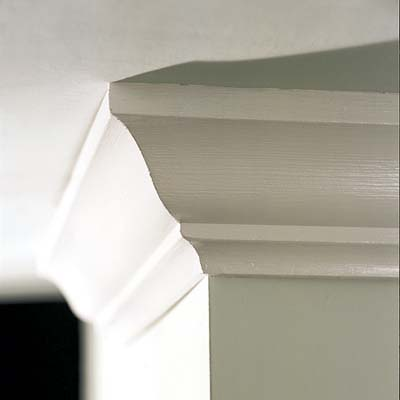 crown molding in the ceiling