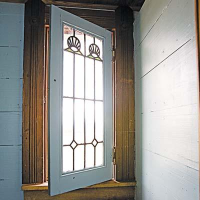 glass-window in thebathroom