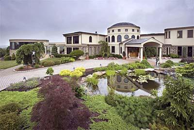 Michael Andretti's villa and driveway