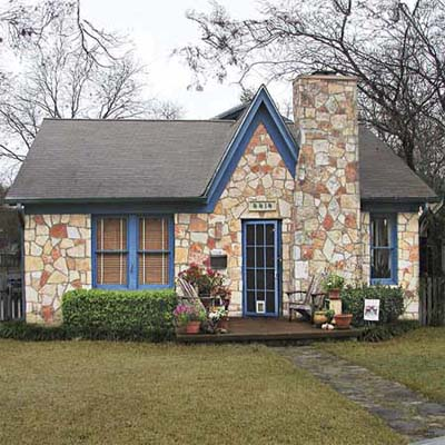 before exterior of cottage remodel in Austin, TX