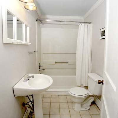 Cotswald Cottage Bathroom Redo: Before