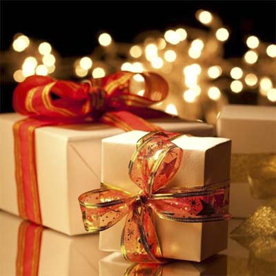 beautifully wrapped gifts in holiday colors