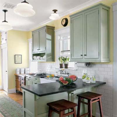 vintage-look kitchen that doesn't sacrifice modern function