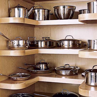 U-shaped pantry storage for pots and pans