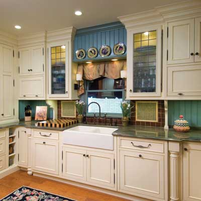 Small kitchens home design and decor reviews for Small kitchen cabinets