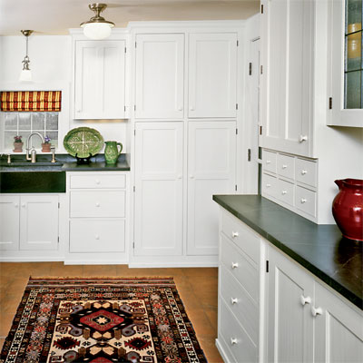 White shaker style kitchen cabinets cabinet category for Colonial style bathroom vanities
