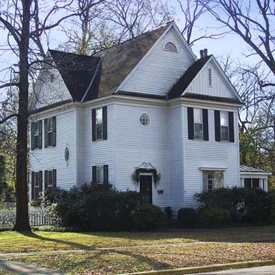example of a best old house in the neighborhood of holly springs mississippi