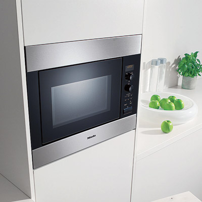 chef series built in microwave from miele with warming abilities