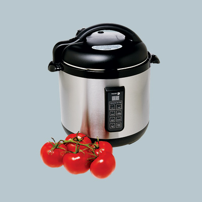 multi cooker pot with vine tomatoes