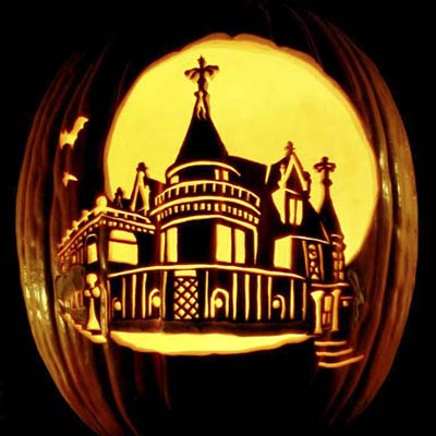 Palace of Mystery carving by Gene Granata of MasterpiecePumpkins.com