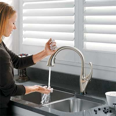 hands-free spout style kitchen faucet