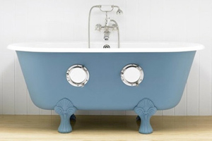 wacky bathtub with portholes