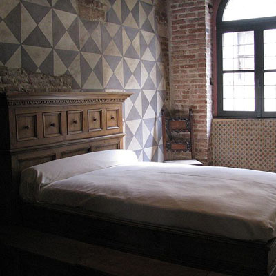 interior bedroom of casa di giulietta in verona italy