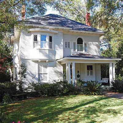 a house in the Historic Garden District, Montgomery, Alabama