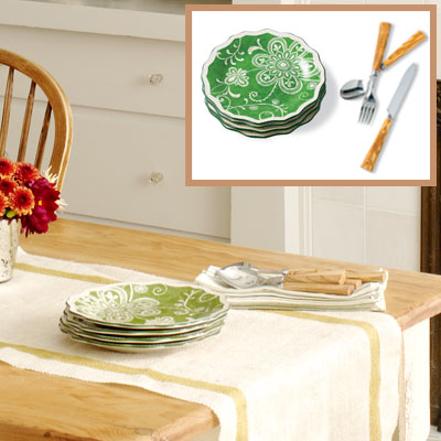 Holiday dining room tableware
