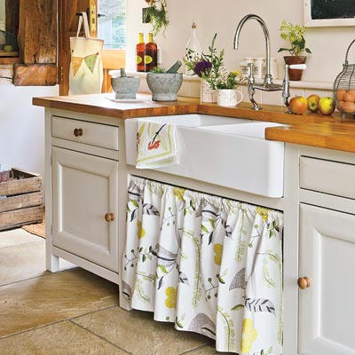 a kitchen sink skirt