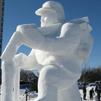 hockey player snow sculpture