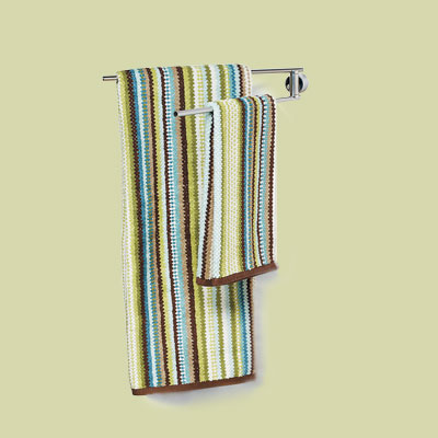 Swing-out towel bar