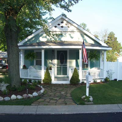 Keego Harbor, Mich. reader remodel for curb appeal after