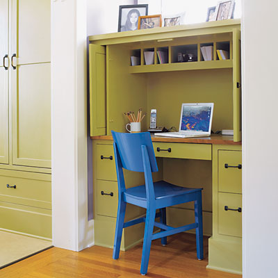 Built-in desk hutch