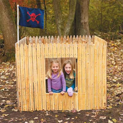 Outdoor fort 13 diy backyard games and play structures for Diy play structure