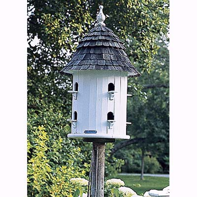 birdhouse in Litchfield, Connecticut, garden