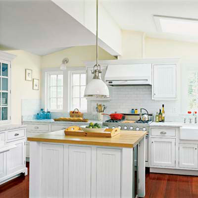 Beach Cottage | Editors' Picks: Our Favorite Cottage Kitchens ...