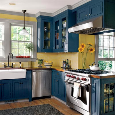 blue and yellow cottage-style kitchen