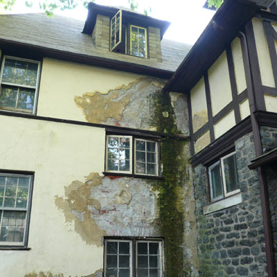 Winner: A Once-Trashed House Becomes a Gem: Before 2012