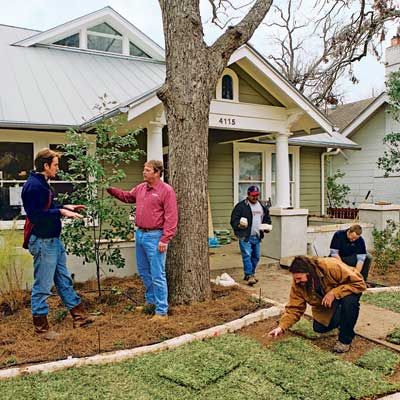 landscape contractor in eco-friendly front yard