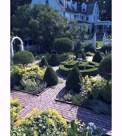 formal garden in Litchfield, Connecticut