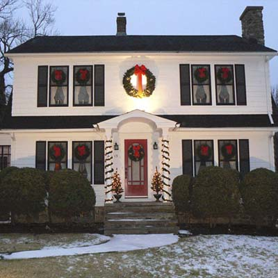 holiday decorations on a Dutch Colonial