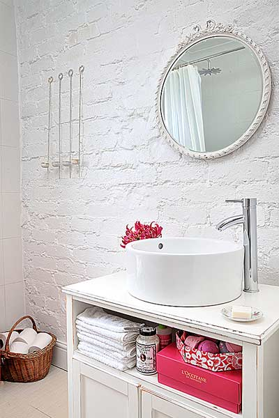how paint masonry white bathroom wall
