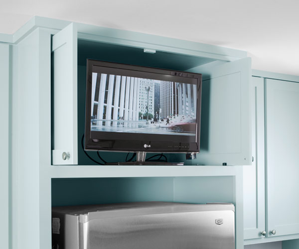 Under Cabinet Kitchen Tv Best Buy: Kitchen Gets A Fresh Slant For