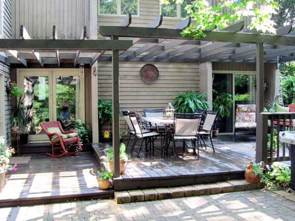 John Cummin's pergola attached to a deck in Waldo, OH