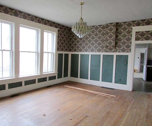 save this old house hope indiana queen anne dining room with printed wallpaper, wainscoting from renovation