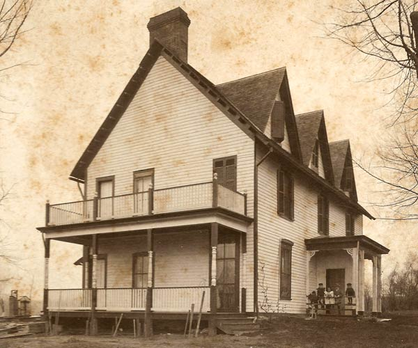1890s photograph of a farmhouse for sale in Maplewood, Missouri