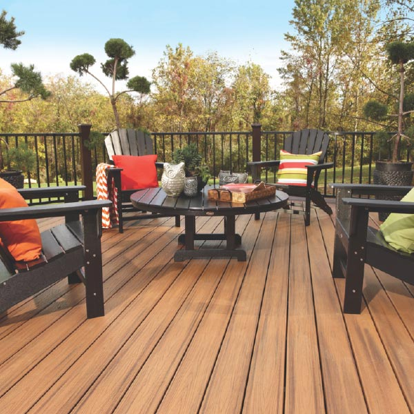 Trex Tridmore collection desck with adirondack chairs and matching table