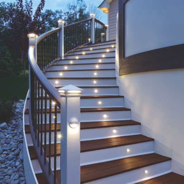 Deck steps with Trex DeckLighting