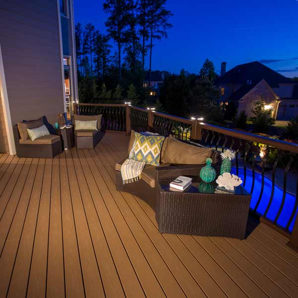 Trex deck with pergola