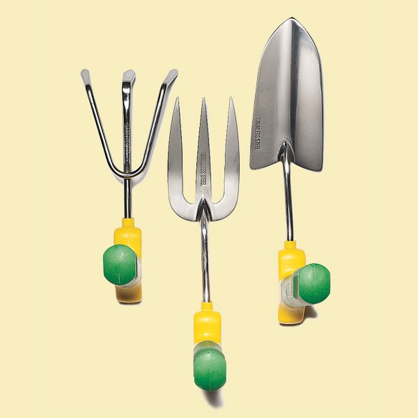 feel good gardening gear with comfortable neutral position grip for cultivator, fork, trowel